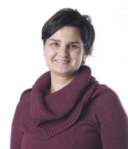 Montse Viñamata, Gestión de Administración