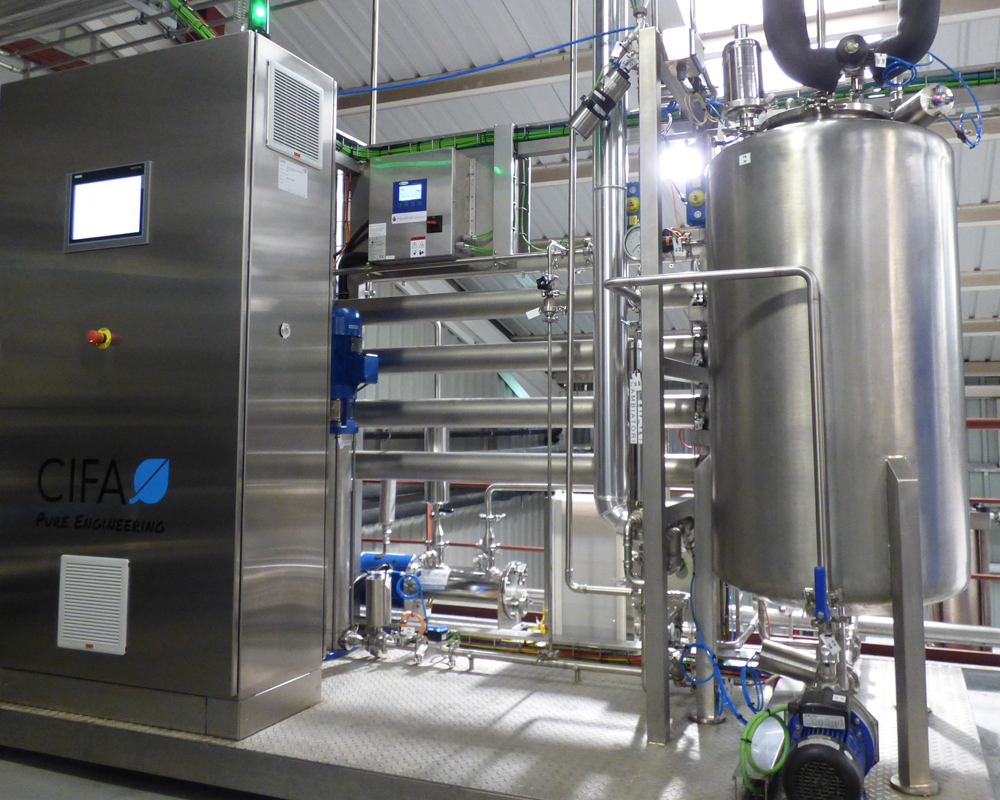 Imagen de una planta de generación de agua purificada de CIFA Instalaciones